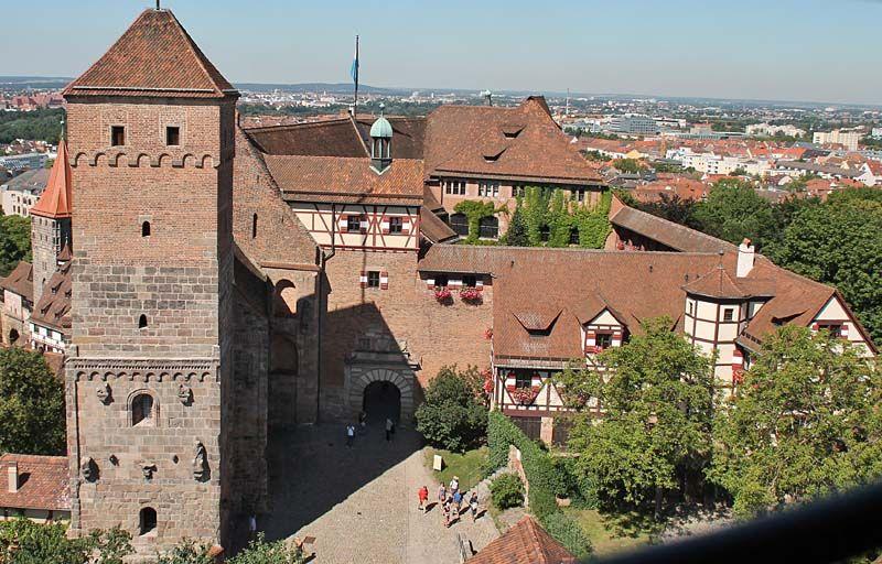 Burgenseite Kaiserburg Nurnberg Mit Bildern Deutschland Burgen Burg Bayern Deutschland