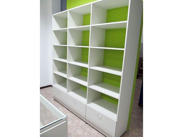 Fabrica estanterias para locales de ropa hogar en 2019 - Madera para estantes ...