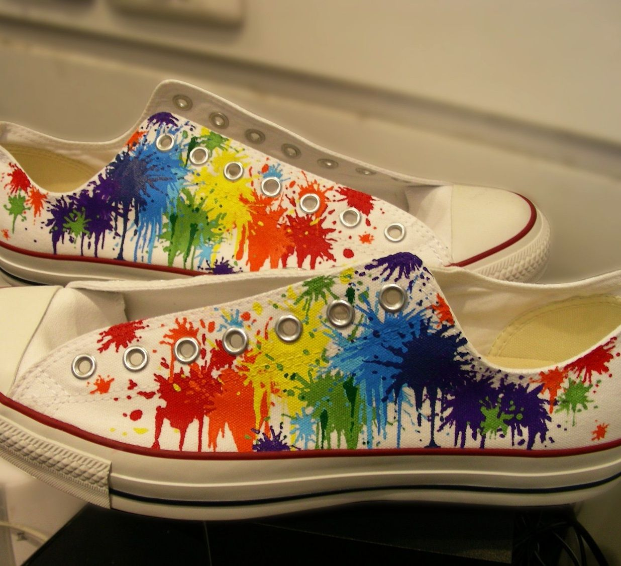 c0fafe03443d rainbow paint splatter  Converse shoes