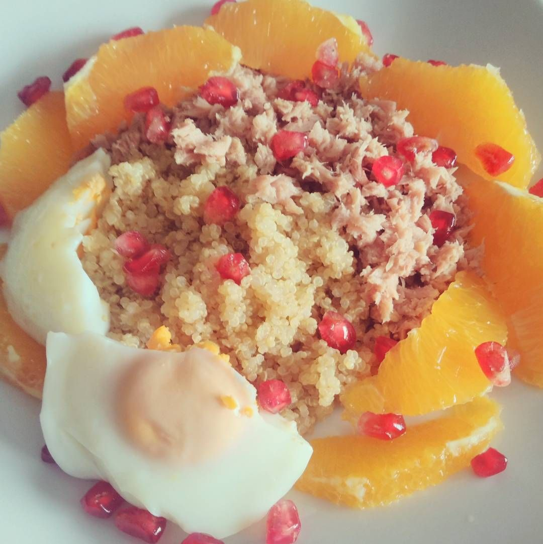 Saudades de comer assim... Quinoa atum ovo e fruta  #healthylunch #quinoa #tuna #promenade #orange #egg #jeitossaudaveis #comerlimpo #simplefood #winterfood #rainyday #stayathome #bbg #lowcarb #goodcalories #goodchoices #mydiet #fitfood #instafood by teresa_s_albuquerque