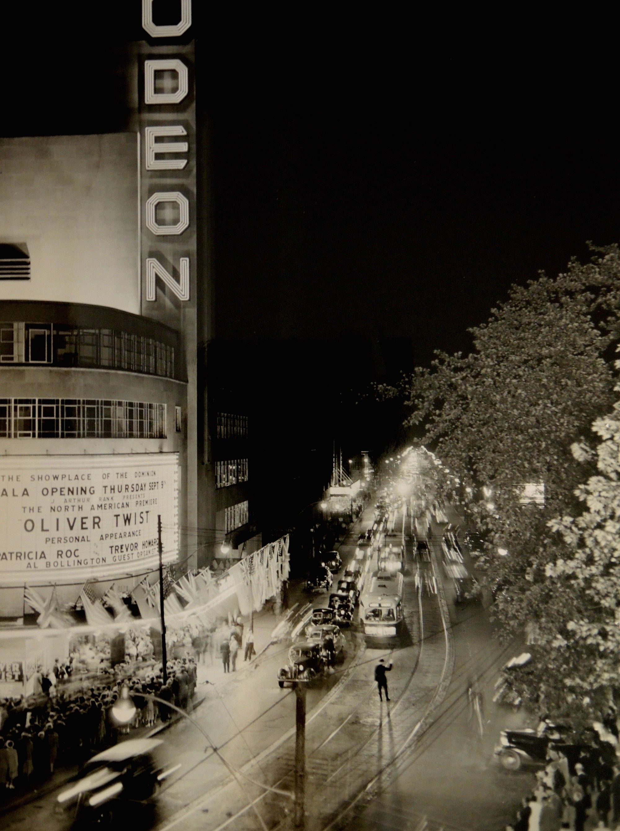 Vintage Photos Of Toronto S Opulent Old Timey Movie Theatres Movie Theater Local Movies Photo