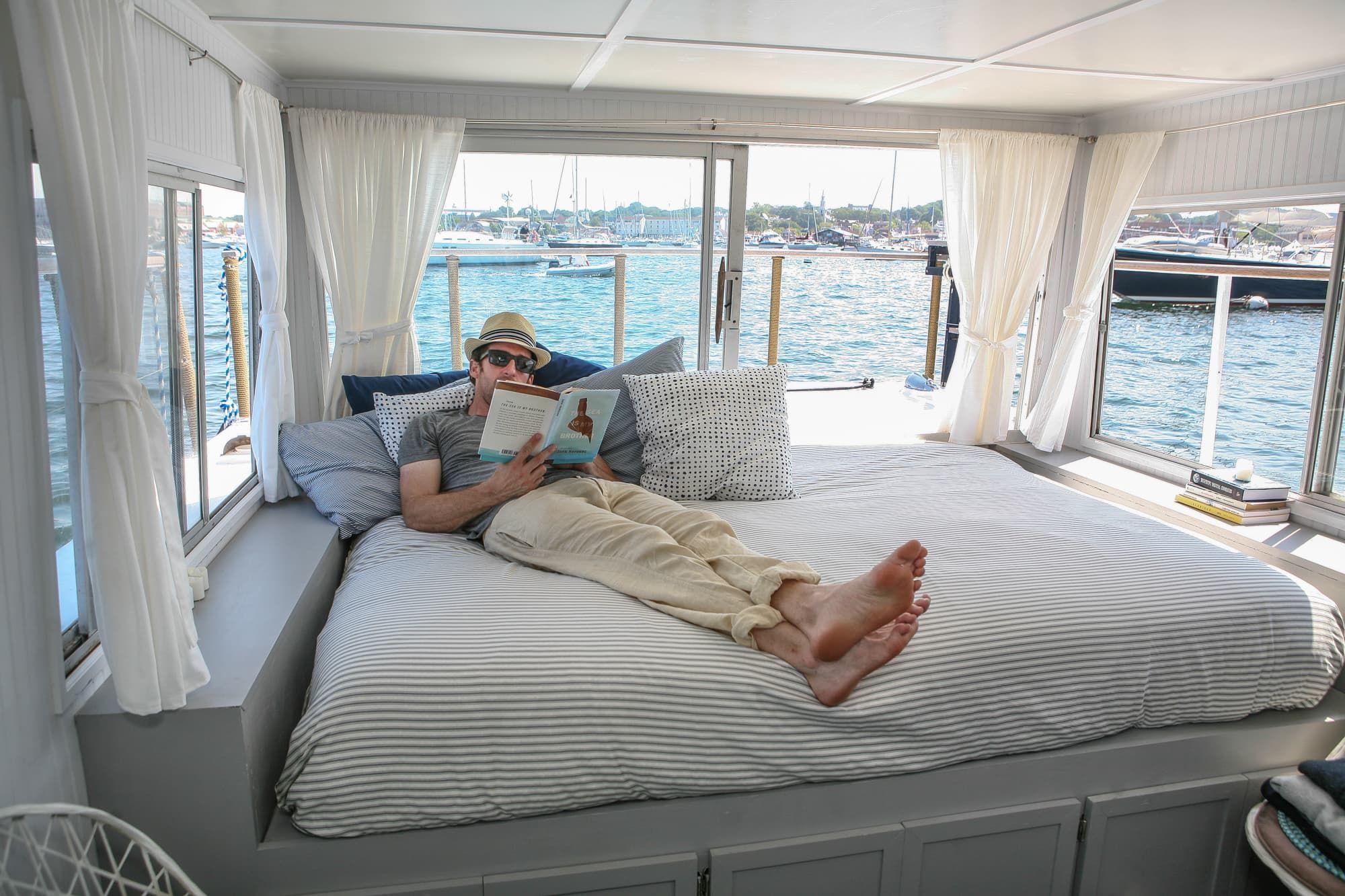 A Dreamy New England Houseboat Houseboat Living Houseboat Decor Floating House
