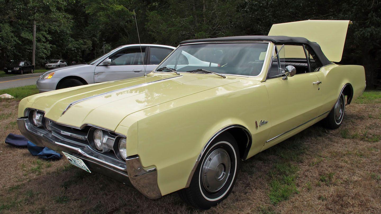 1967 Oldsmobile Cutlass conv