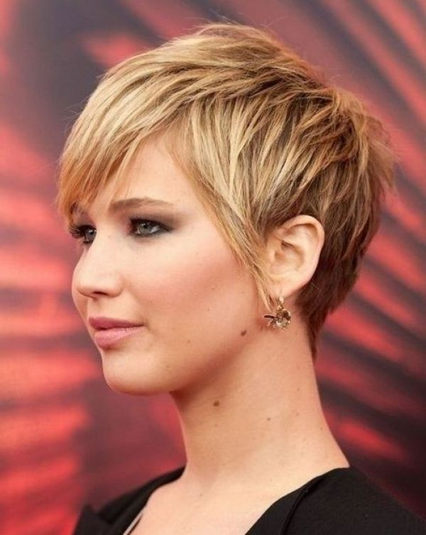 short hairstyle thick hair