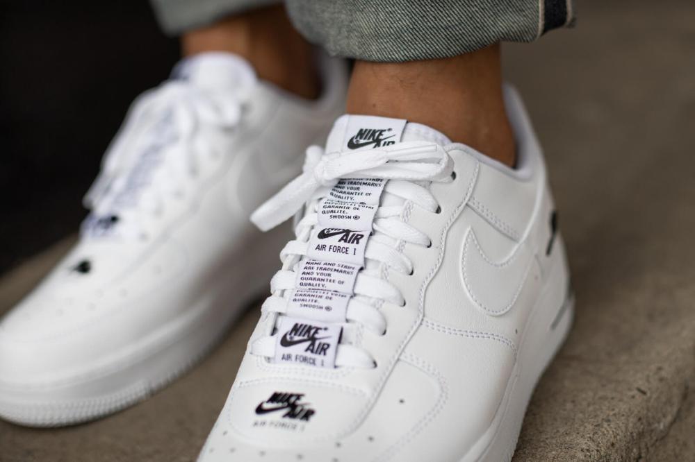 Nike Air Force 1 '07 LV8 3 White/White