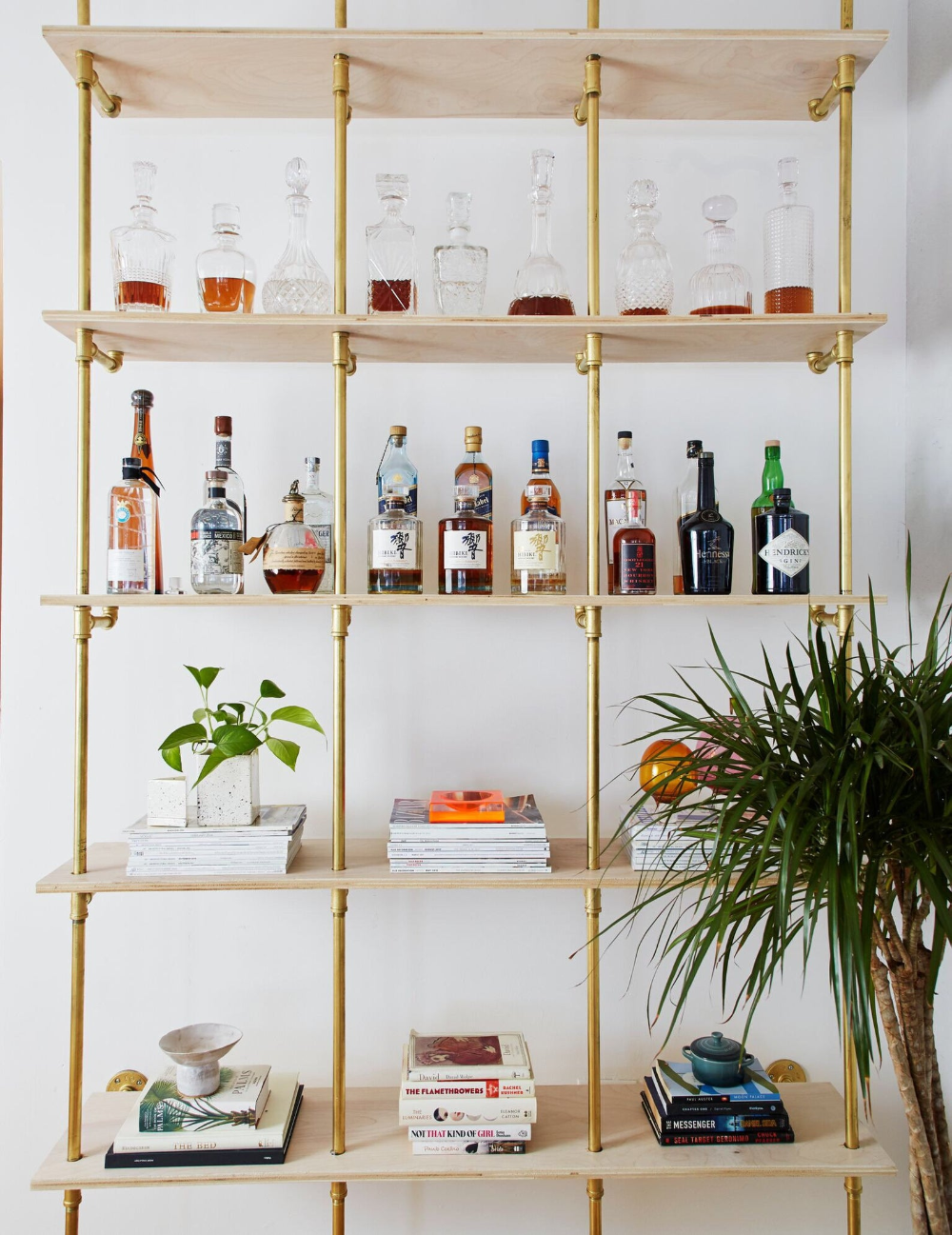 Custom Bars Amp Wine Liquor Shelves In 2020 Bookshelf Bar