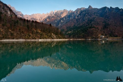 (by Marco Dian ) Source: Flickr /mykdee Lagodella, Stua, Dolomites, Italy                                                                 Source:                                                                   Flickr / mykdee