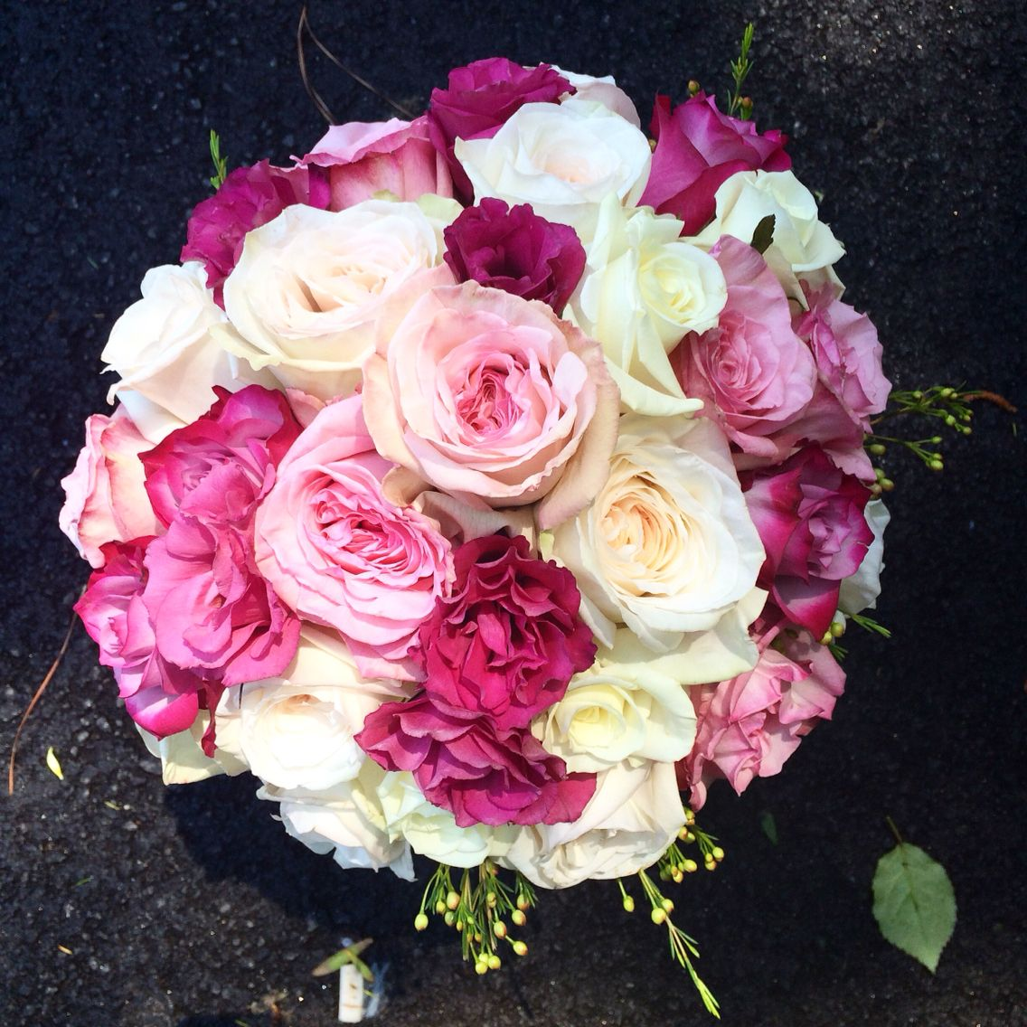Gardenroses Bouquet In Shades Of Pink With Lisianthus Holland Daze