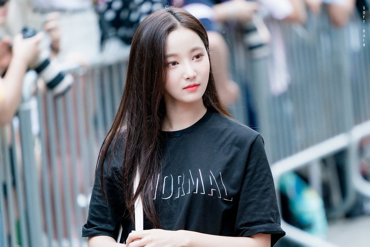 Pin By Li Dabin On Yeonwoo V 2 Actresses Imgur Love Me Forever