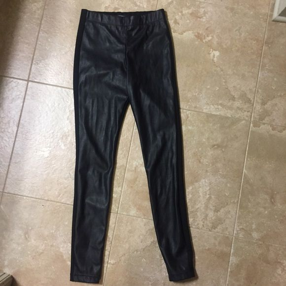 Black forever 21 leggings. Faux leather front. Only worn once. Forever 21 Pants Leggings