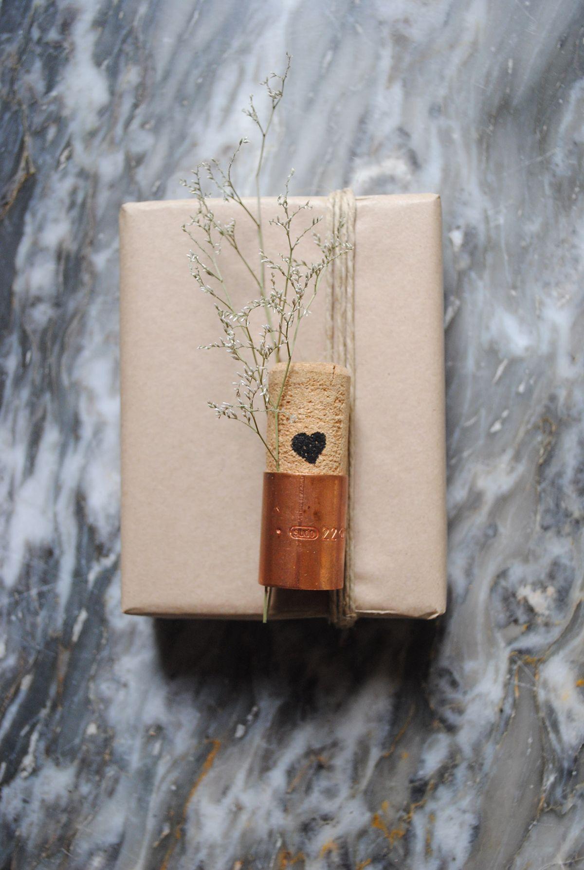 DIY Embalagem de Presente com rolha reciclada Casa