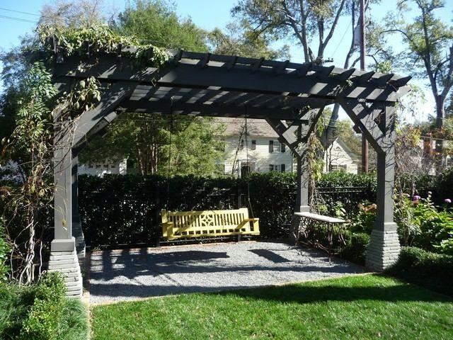31 Idees Pour Une Balancelle De Jardin Design Pergola Terrasse Paysage Traditionnel Balancelle De Jardin