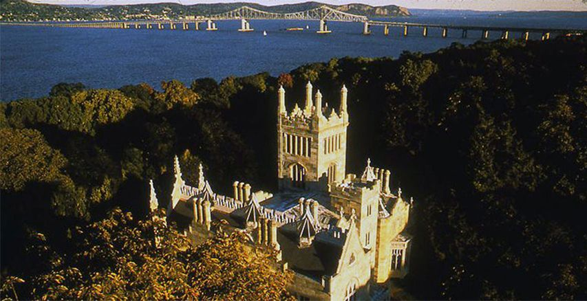 Located In Tarrytown New York Lyndhurst Mansion Was Designed The Gothic Revival Style By Alexander Jackson Davis 1838 Home To Former City