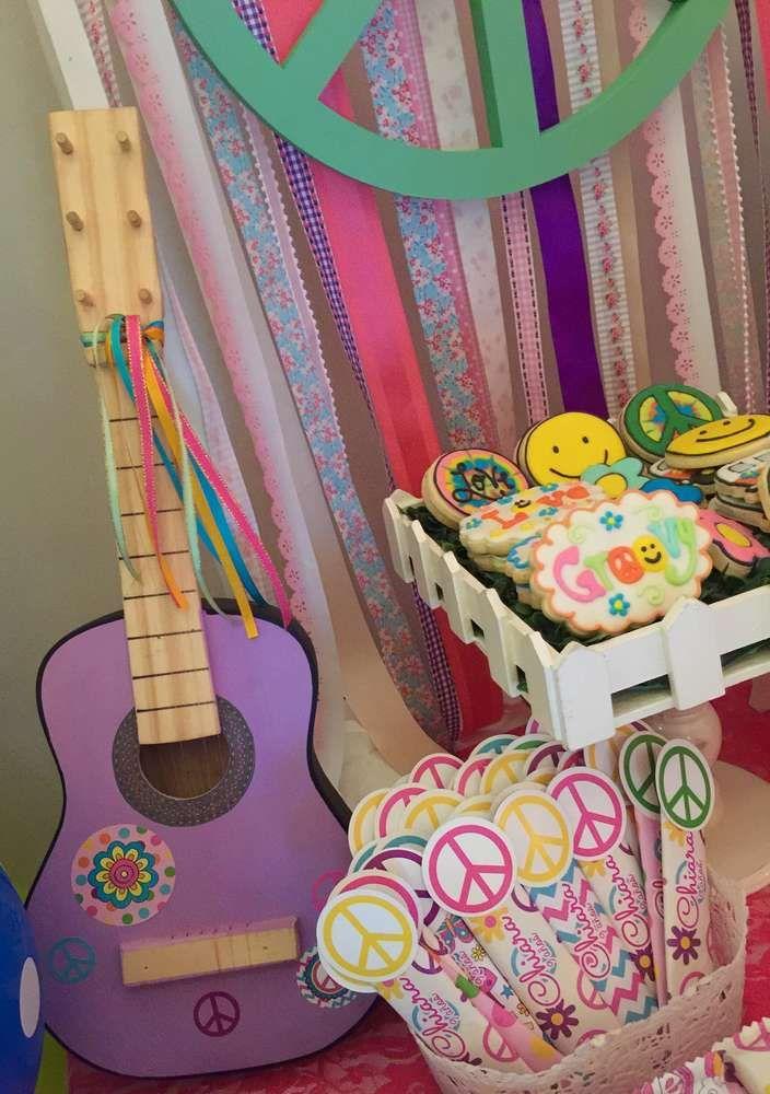 Si Quieres Organizar Una Fiesta Tematica Hippie Esta Idea Te Servira - Decoracion-hippie-fiesta