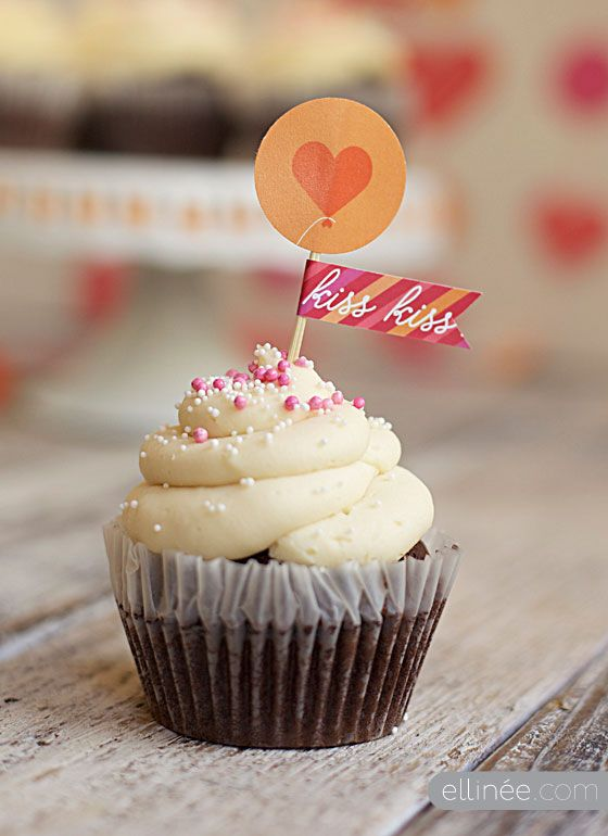kiss kiss cupcake