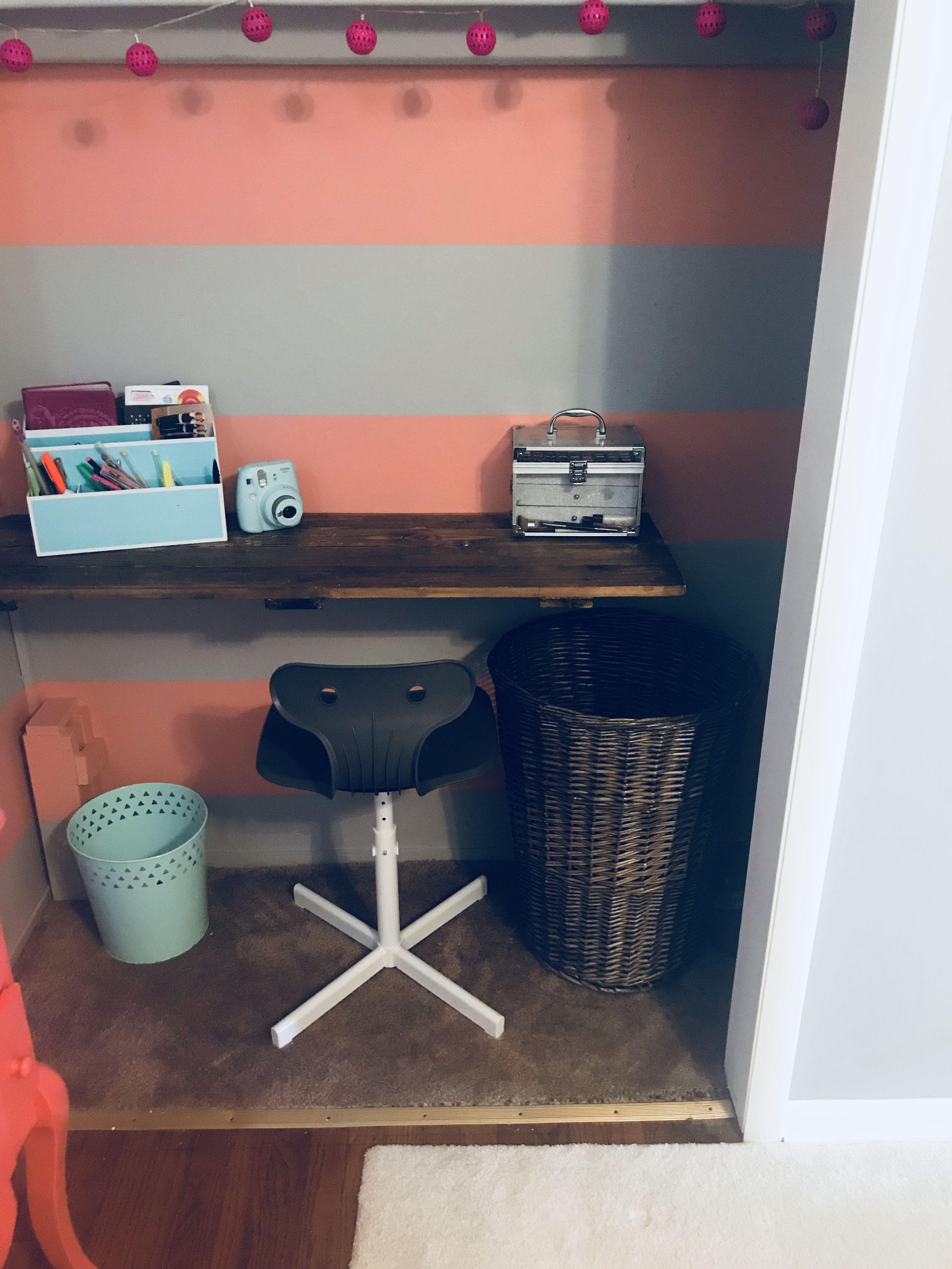 promo code e7f55 5183f Floating desk inside closet | Área de Estudio | Áreas de ...