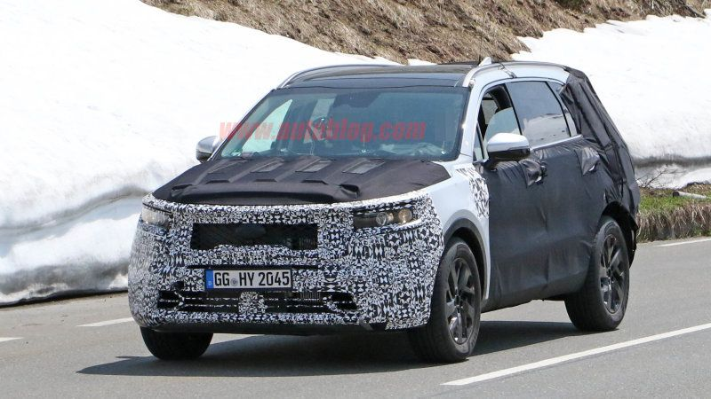 2021 Kia Sorento Spy Photos Taken In The Alps With Images Kia