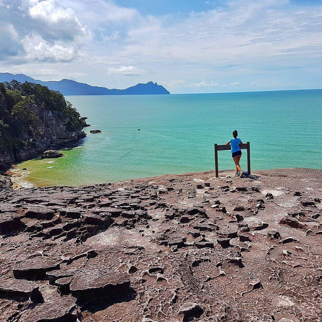 The Prize For After A 5 Hours Trekking El Premio A 5 Horas De Trekking Amazingborneo Borneo Malaysiatrul Malaysia Truly Asia Borneo Natural Landmarks