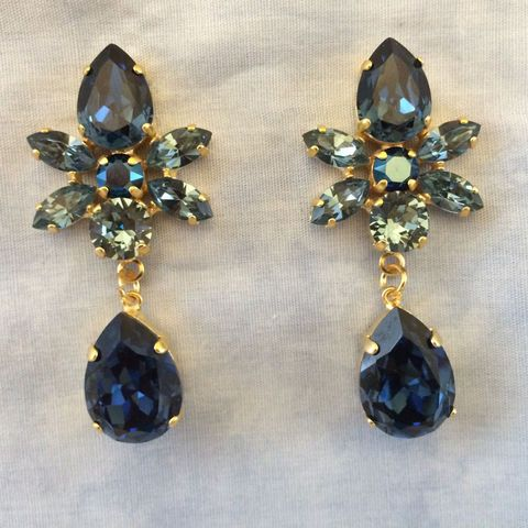 Vintage Inspired Round Cut Midnight Blue Glass Stone// Grey Crystal Drop Earrings