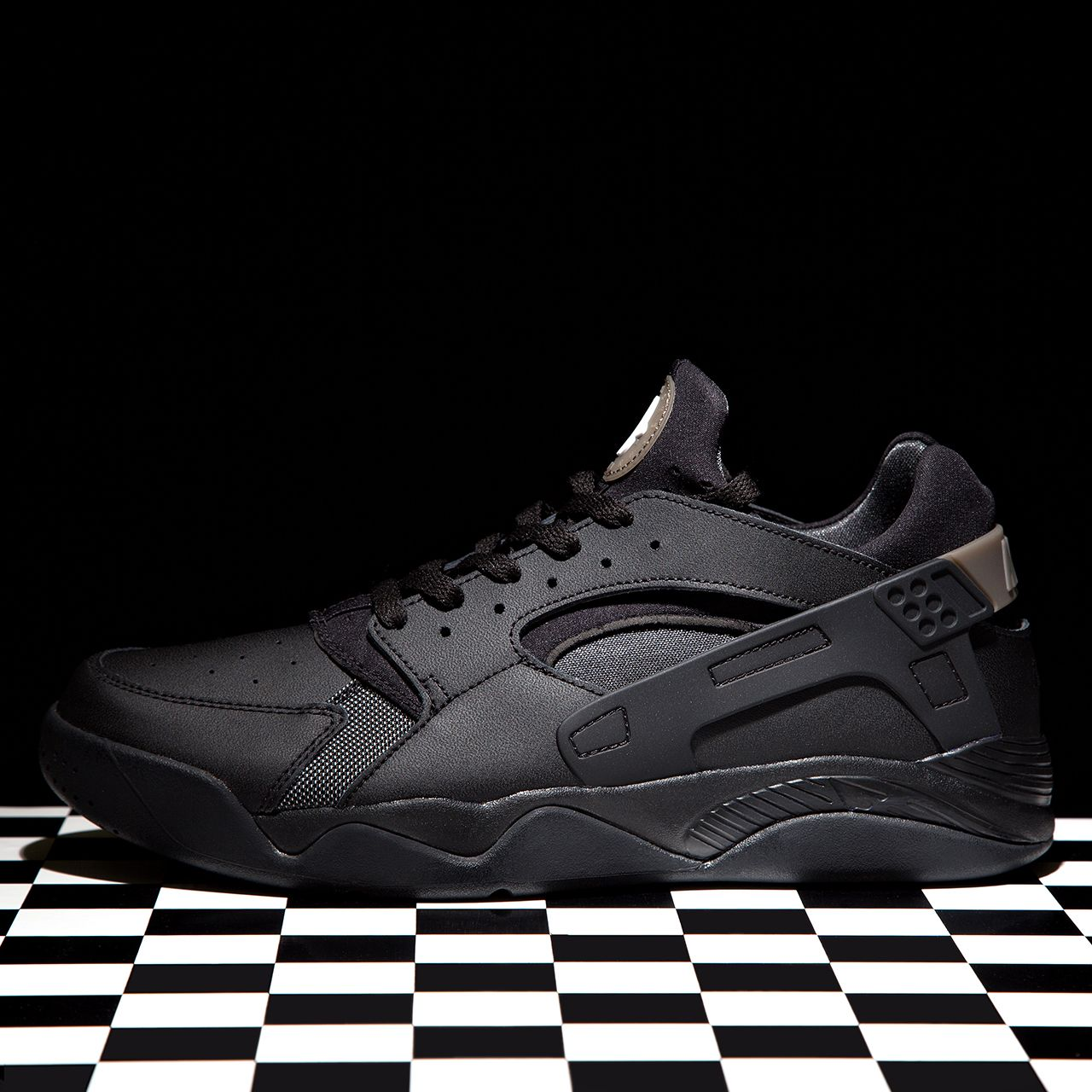 New In - The Nike Air Flight Huarache Low Trainer in in ...