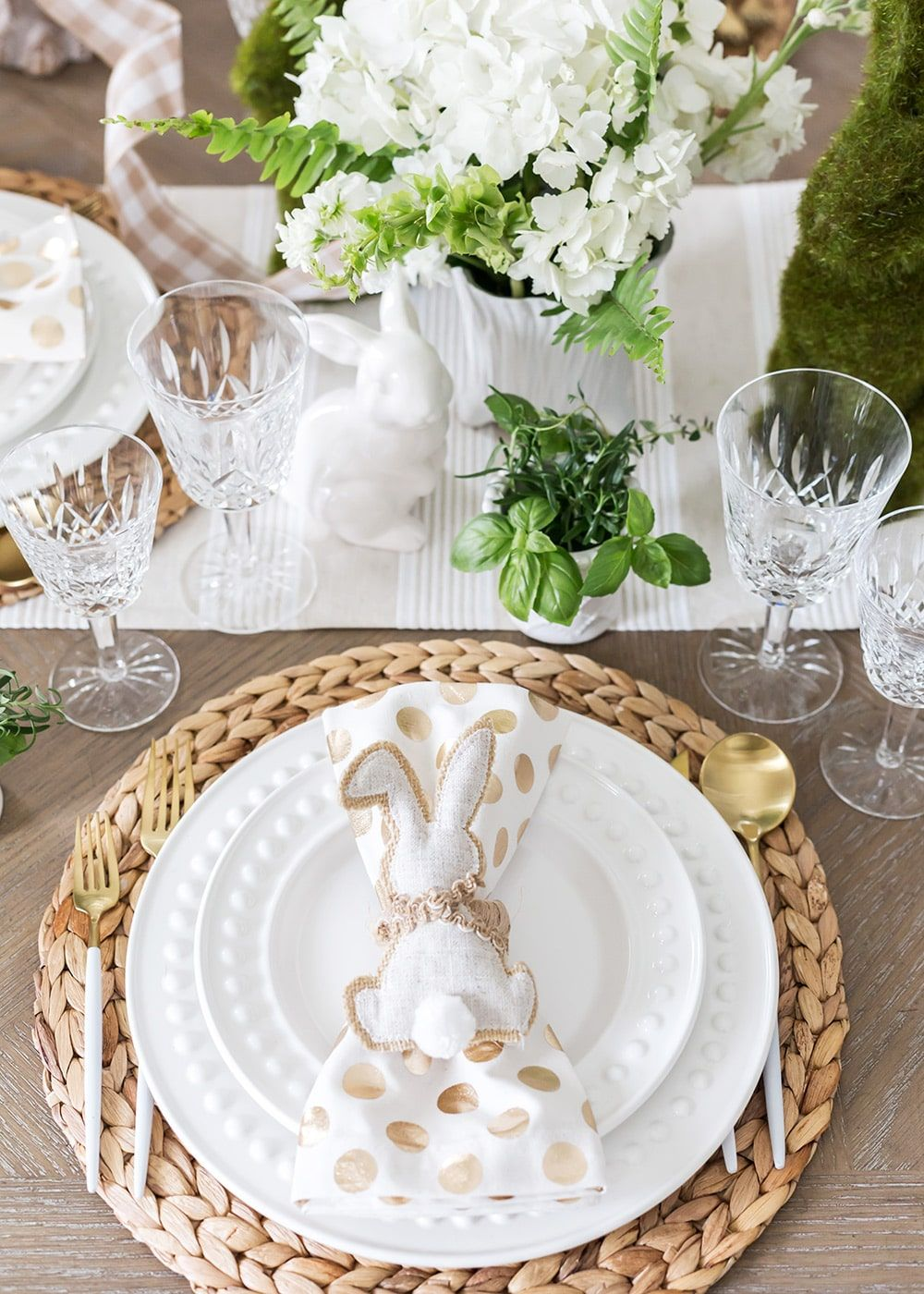 Set a Charming, Neutral Easter Table | Pizzazzerie