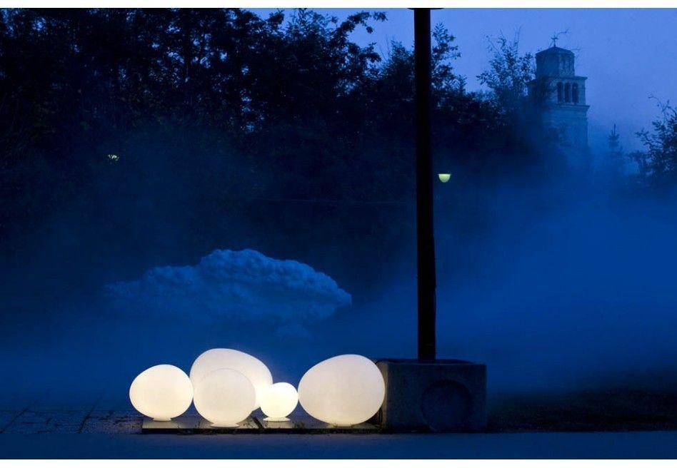 Elegante lampade da giardino da terra immagini