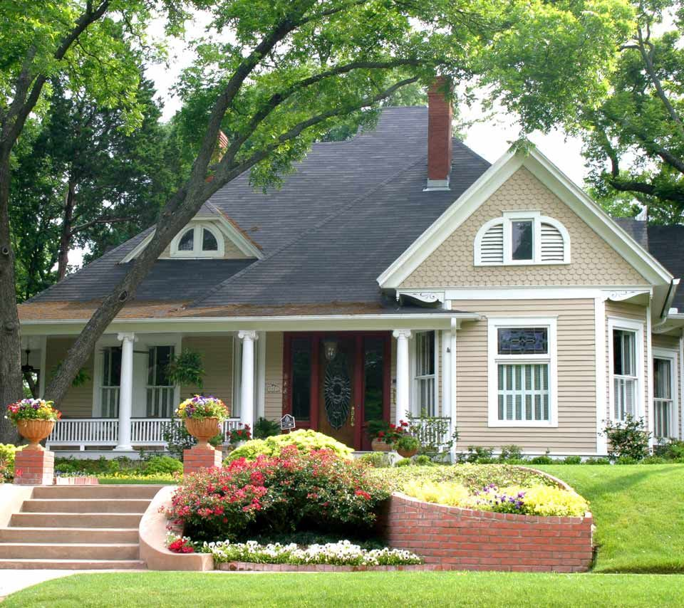 Lovely 20 Cottage Style Landscaping Ideas To Enhance Your: The Tiny Project, An Ingeniously-designed Small House On