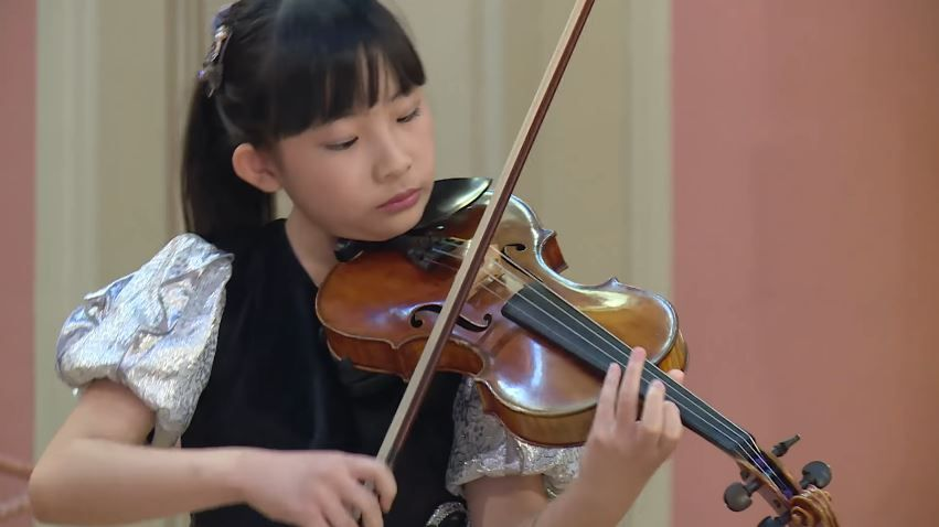 Chloe Chua Plays Ludwig Van Beethoven Astor Piazzolla Jeno Hubay Menuhin Competition 2018 Junior Semi Final Hd Young Musician Competition Violin Student