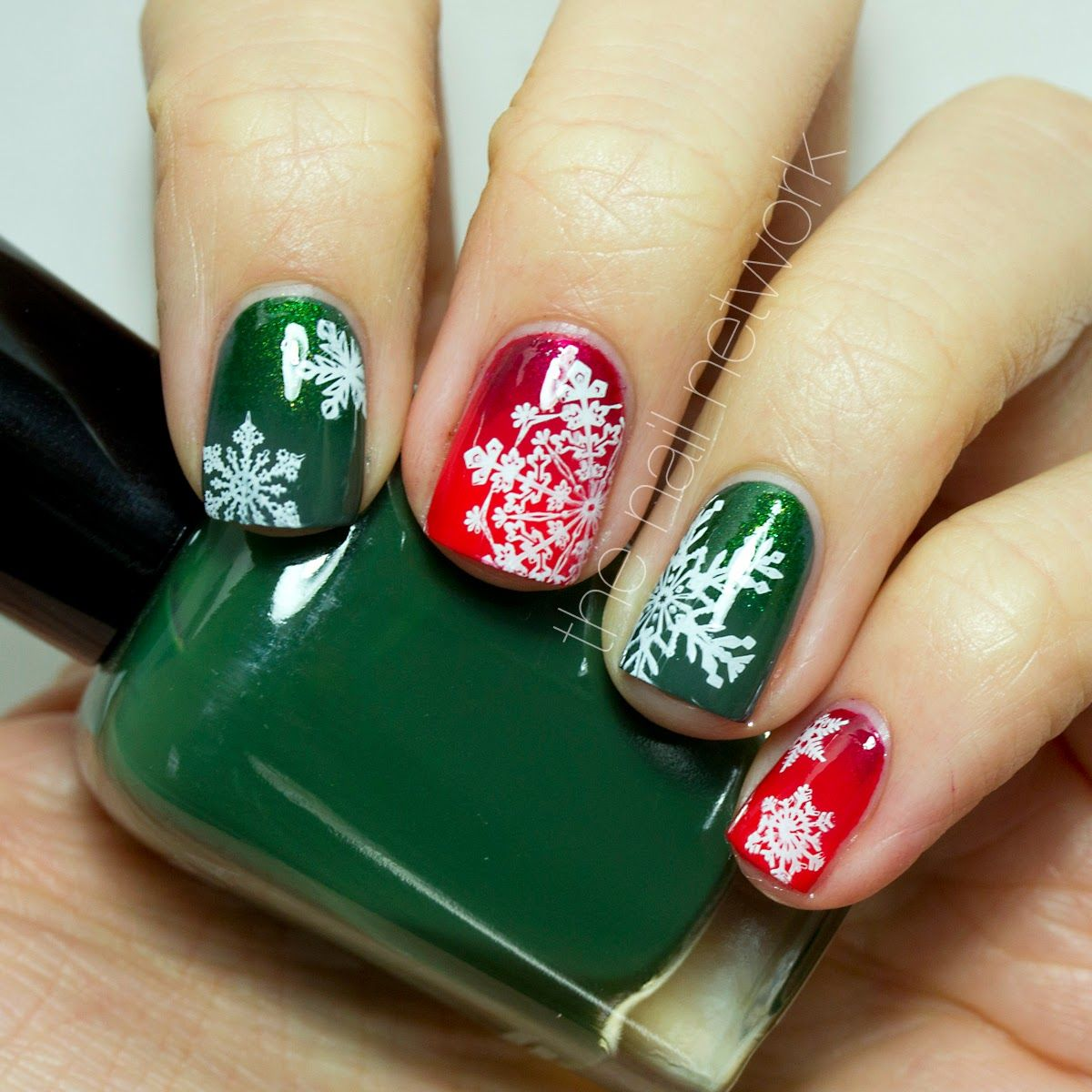 The Nail Network: TDOCNAS 2014: Day 3: Red & Green Snowflake Gradien ...