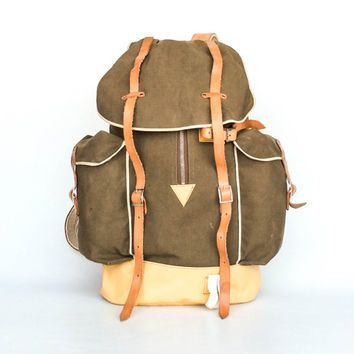 fe41d5b71 Vintage Hiking Backpack / Large Canvas Rucksack / Leather Straps and Zipper  / Army Olive Green