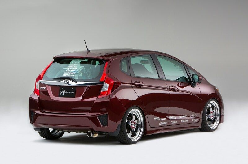 9 Modified 2015 Honda Fit Hatchbacks Debut At Sema Motor Trend 2015 Honda Fit Honda Fit Honda Jazz