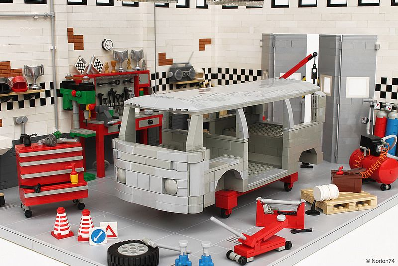 sandblasted vw t2 bodywork in the garage lego mocs city. Black Bedroom Furniture Sets. Home Design Ideas