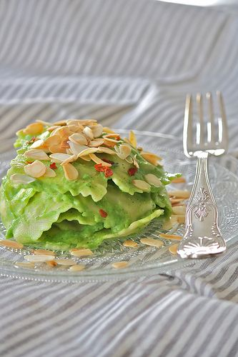 The rabbit hole: spinach and ricotta ravioli with cream of broccoli and spicy almonds
