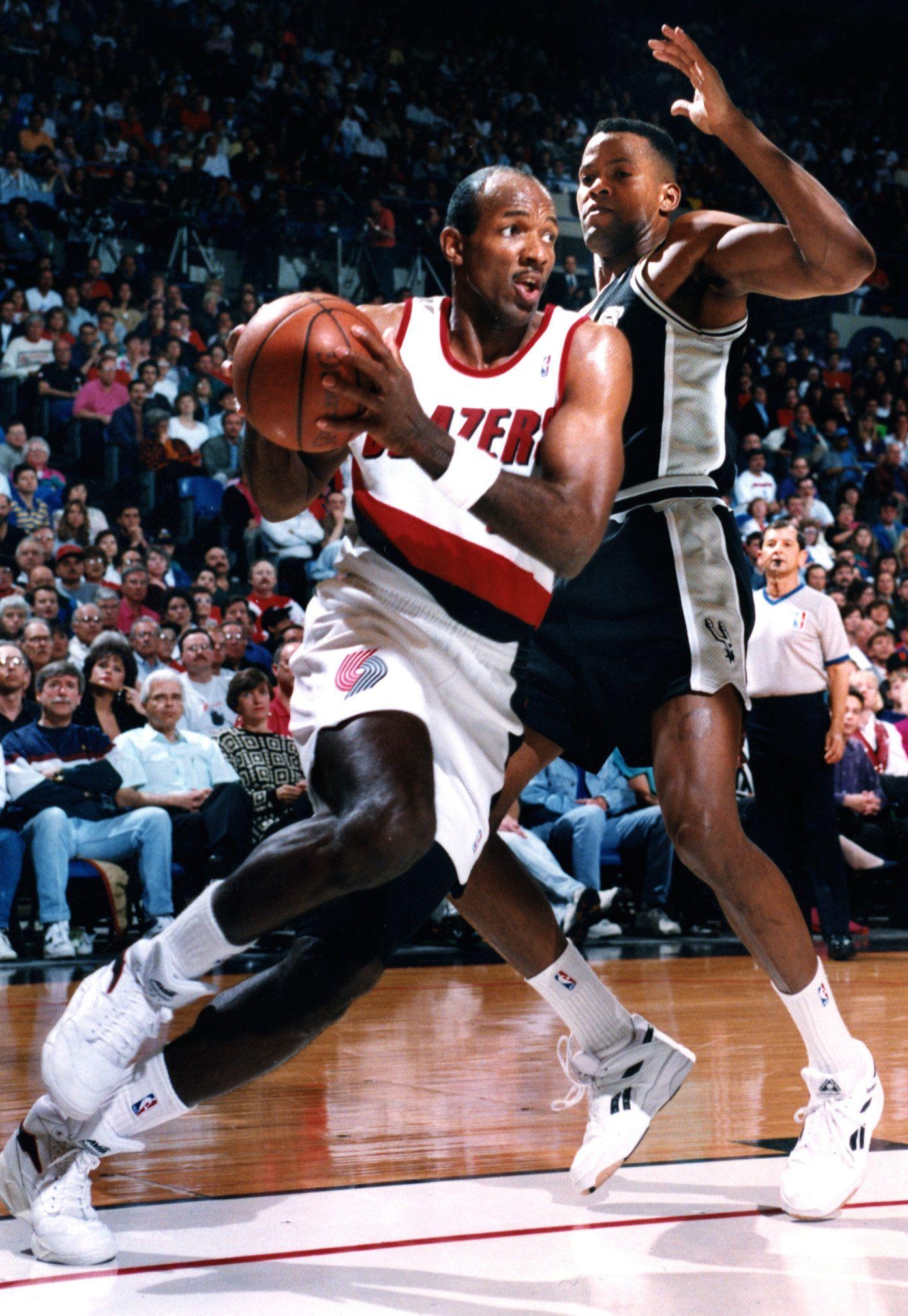 clyde 415—600 The NBA Superstars Pinterest