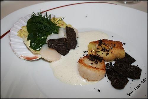 Recettes provençales a servir avec vin rose : tapenade, daube provençale, morue et les vins de Provence qui accompagnent ces plats