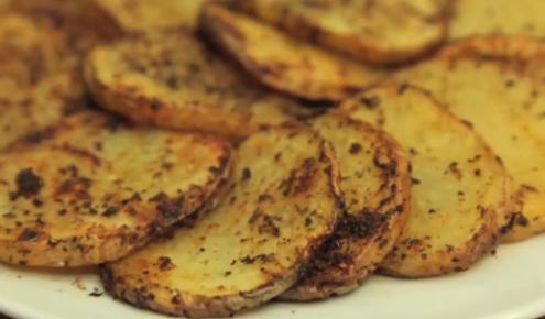 طريقة عمل وصفة شرائح البطاطا المشوية بالفرن Middle East Recipes Recipes Food