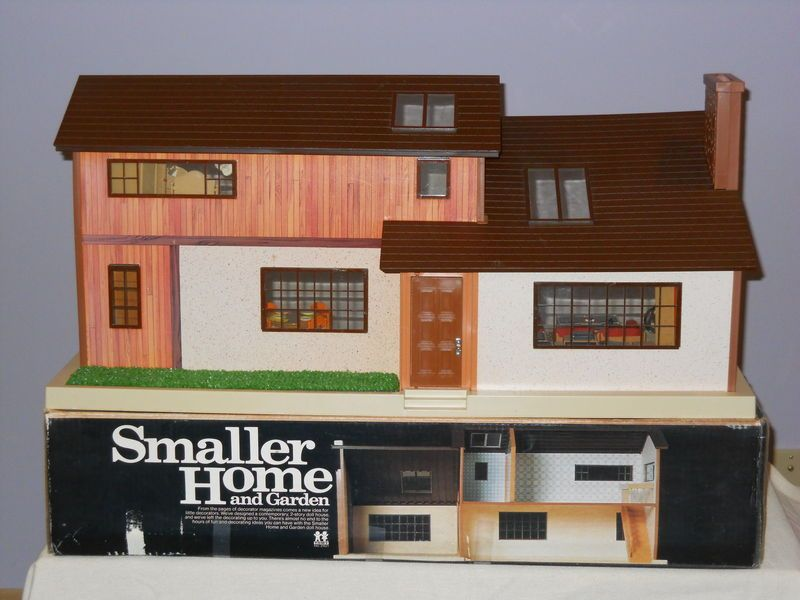 9d64b276d58a7bbf71cf7c150ede4a6b - Tomy Smaller Homes And Gardens Dollhouse For Sale