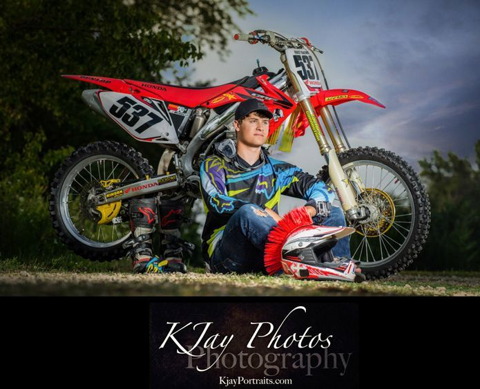 Guy Senior Pictures With The Dirt Bike Bike Photoshoot Bike Photography Male Senior Pictures