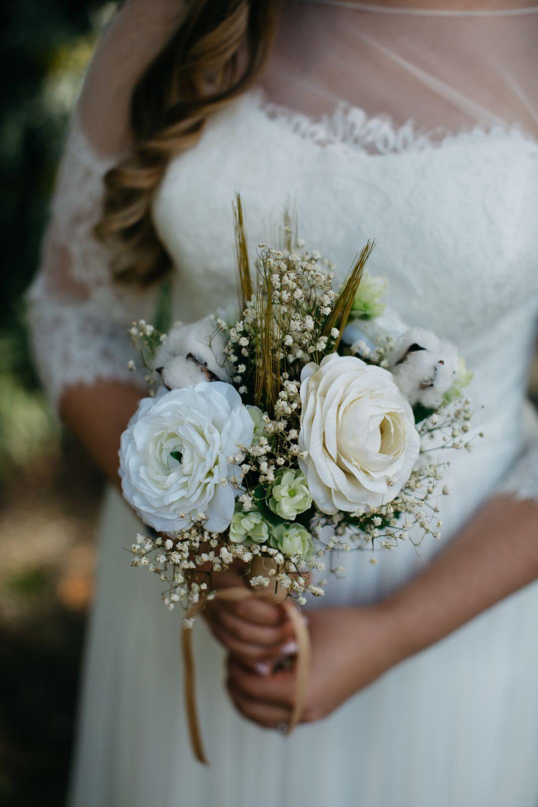 Outdoor boho wedding at seibels house and gardens columbia sc