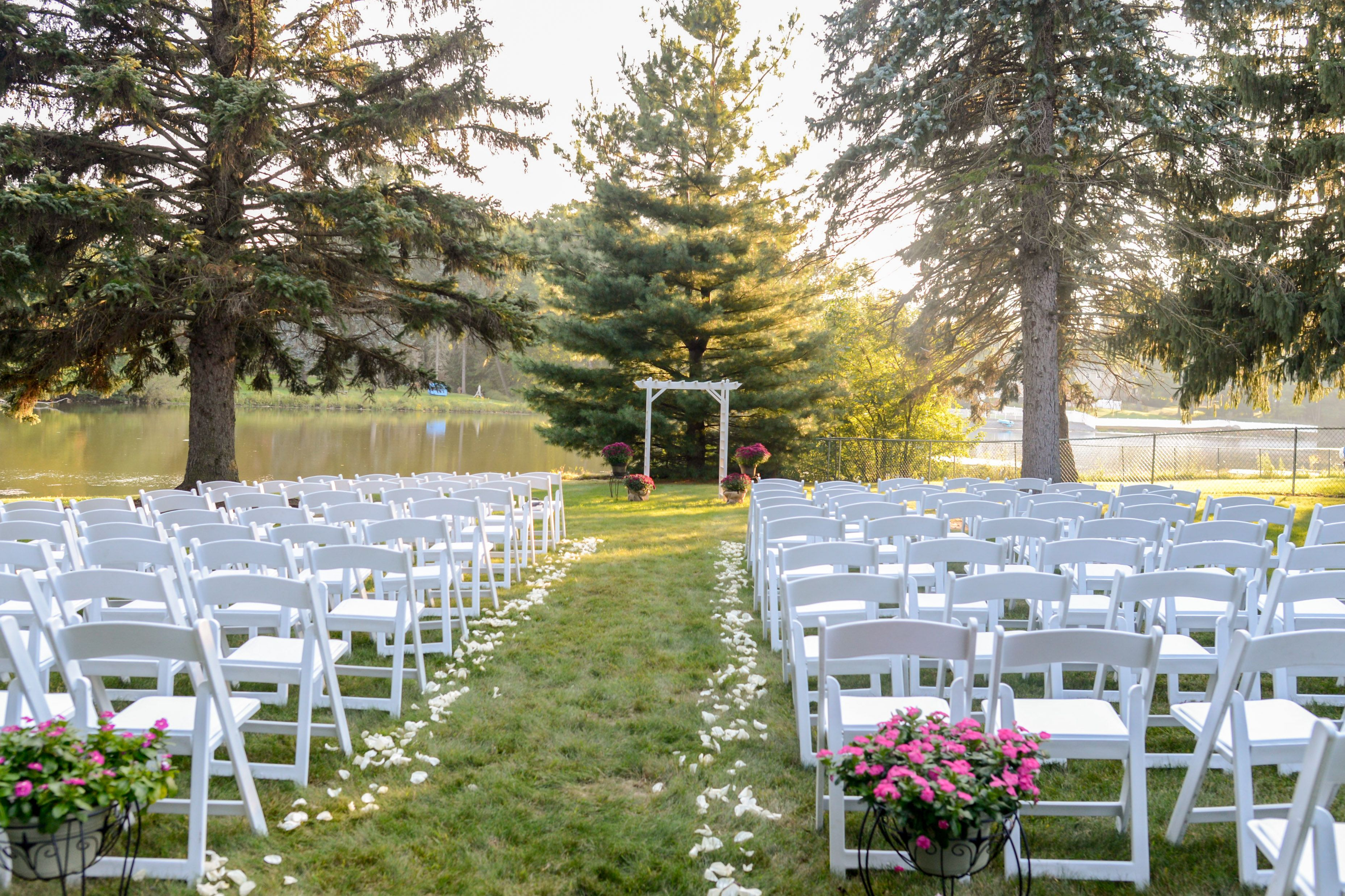 outdoor wedding ceremony sites in akron ohio%0A Northeast Ohio Wedding Ceremony Decor photo by We u    ve Got Something Special  Photography   TodaysBride