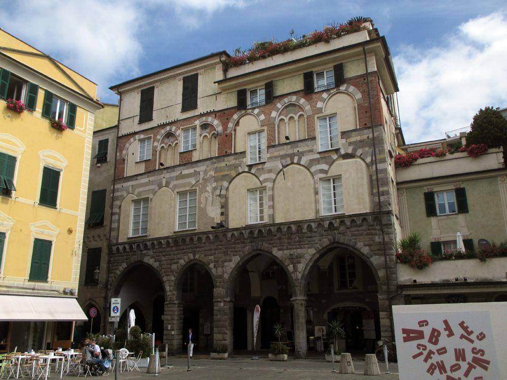 Palazzo dei portici neri - Chiavari (Genova, Italy) | DOMUS ...