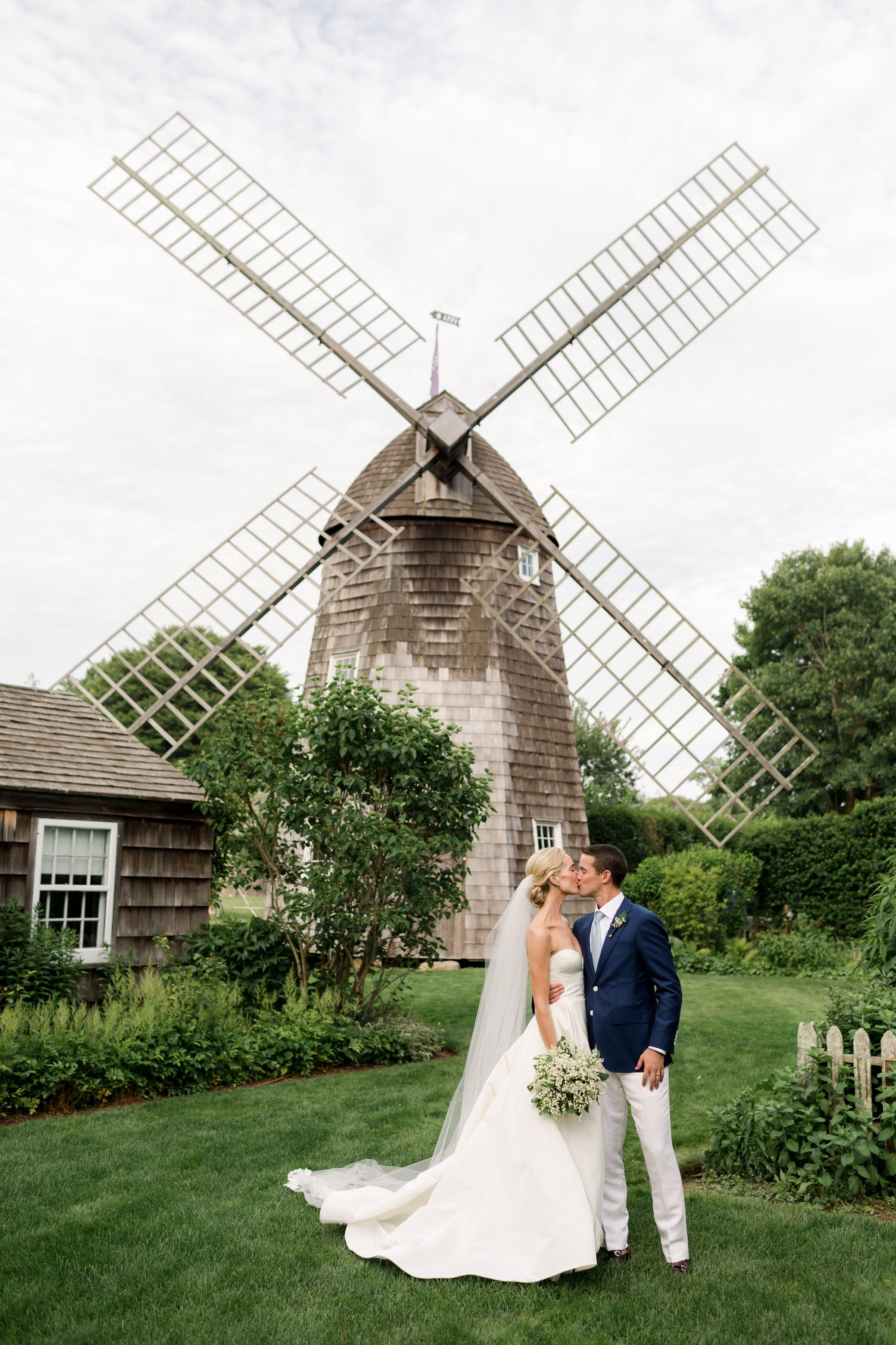 A Classic Summer Wedding In The Hamptons Hamptons Wedding Summer Wedding Wedding