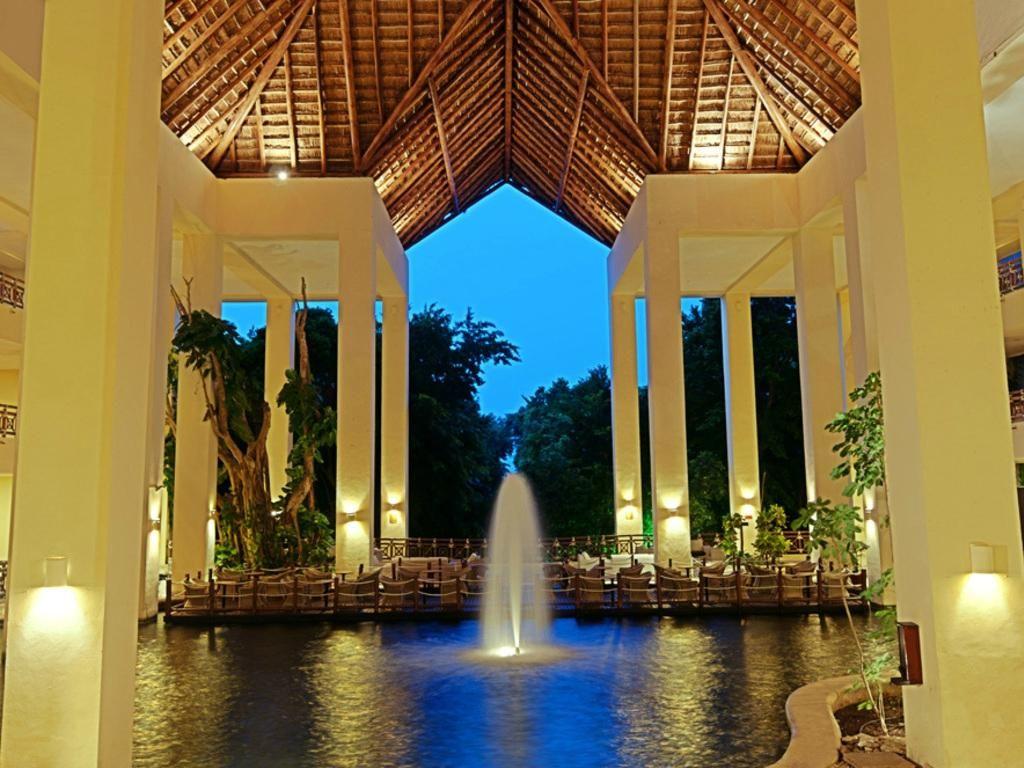 Occidental grand xcaret royal club riviera maya playa for Oficina xcaret cancun