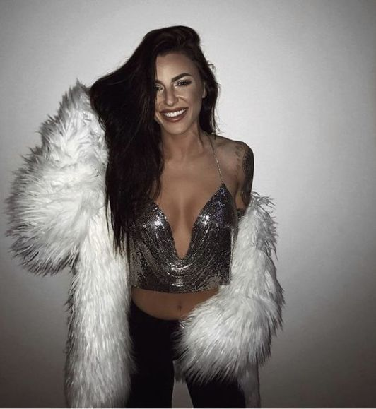 20 Sexy New Years Eve Outfits For 2020 - Society19