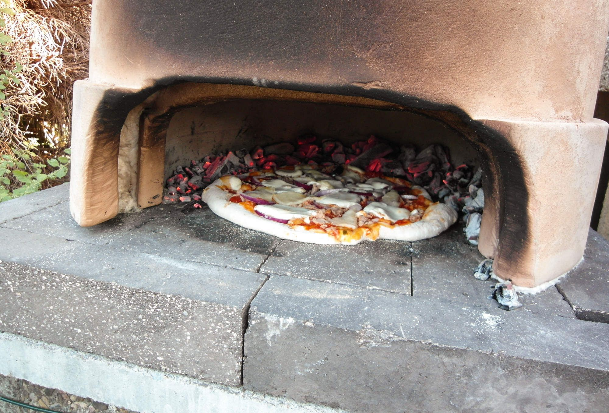 How To Make A Backyard Pizza Oven For Under $200 | Diy ...