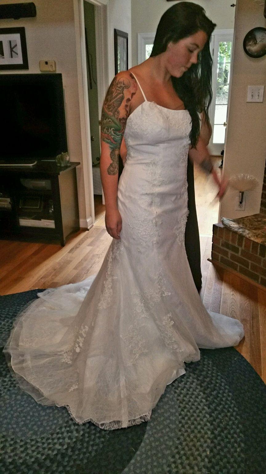 Wedding dresses for black girls  Vera Wang White Vw  Size   New UnAltered Wedding