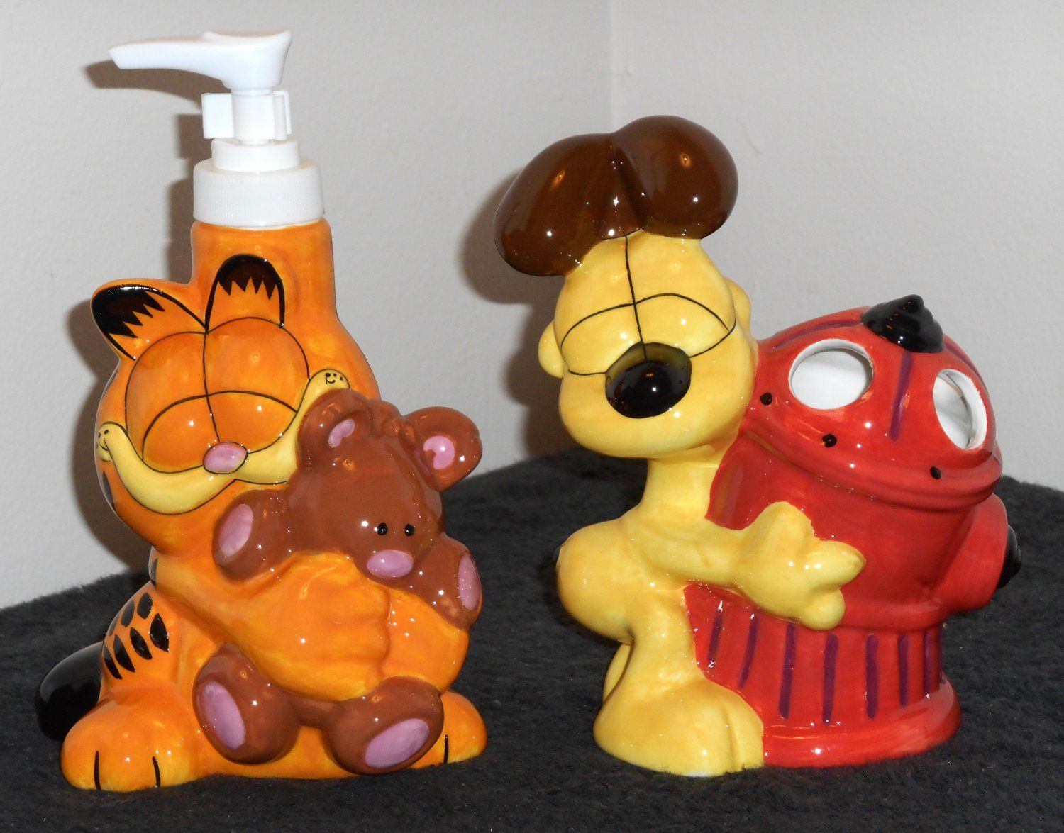 for Sale Garfield The Cat Odie Dog Bath Accessories Set Ceramic