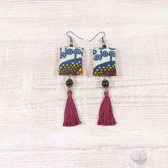 Boucles d'oreilles ethniques en tissu wax africain, perles de verre, pompon, tons multicolore.