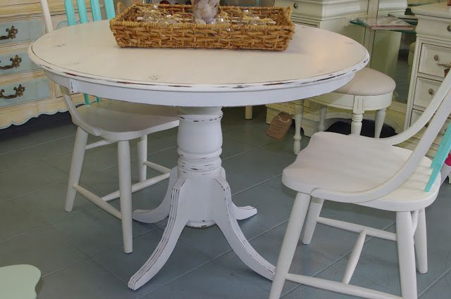 Coastal Chic Boutique Distressed White Round Dining Table Sold