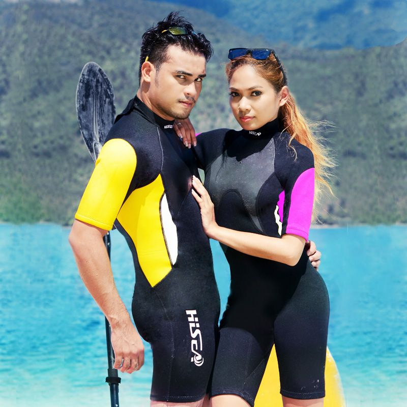 7ff52bc2372 Find More Wetsuit Information about 2.5mm Neoprene Wetsuit Men & Women One  Piece Short Sleeve Diving Suit Snorkeling Sailing Clothing Water Sport  Equipment ...